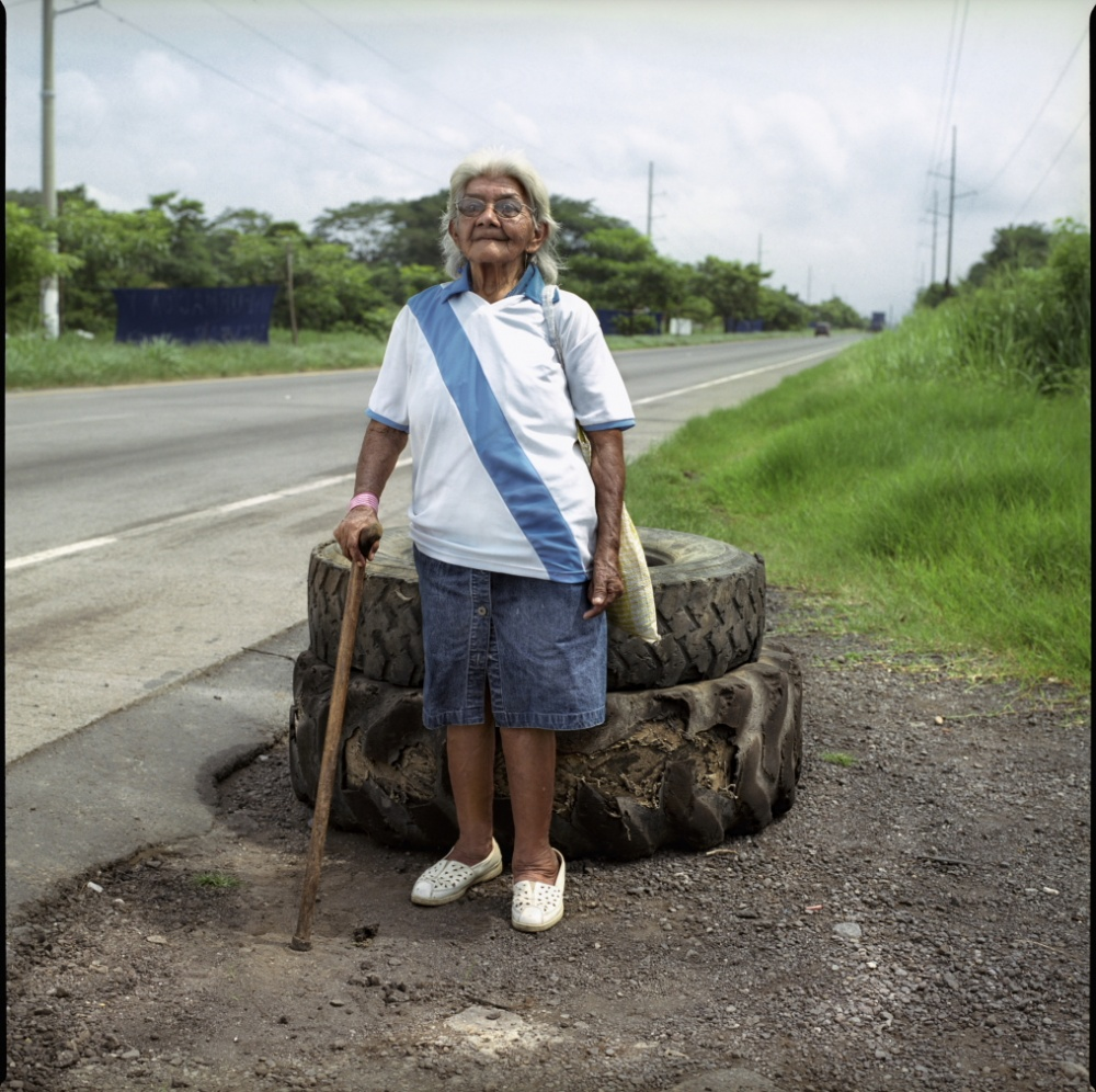 Art and Documentary Photography - Loading Rosa - Madre.JPG