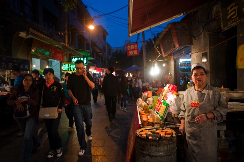 Barrio musulmán de Xi'an , mercado de comida / Muslim Quarter food market. Xi'an