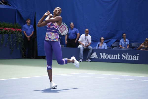 Venus Williams warming up at US Open exhibition. Flushing Meadows. August 2015.