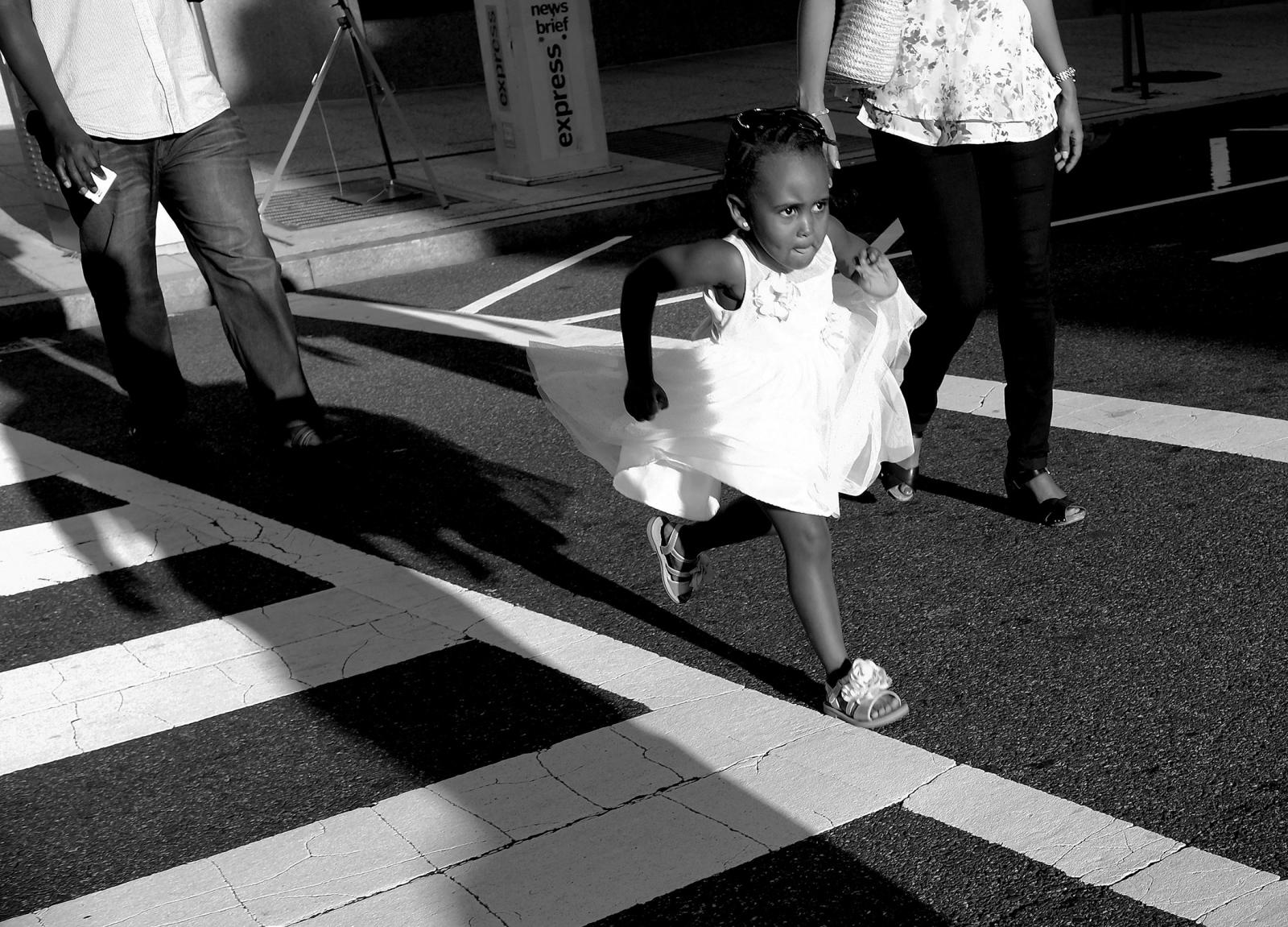 Photography image - Loading runninggirl.jpg
