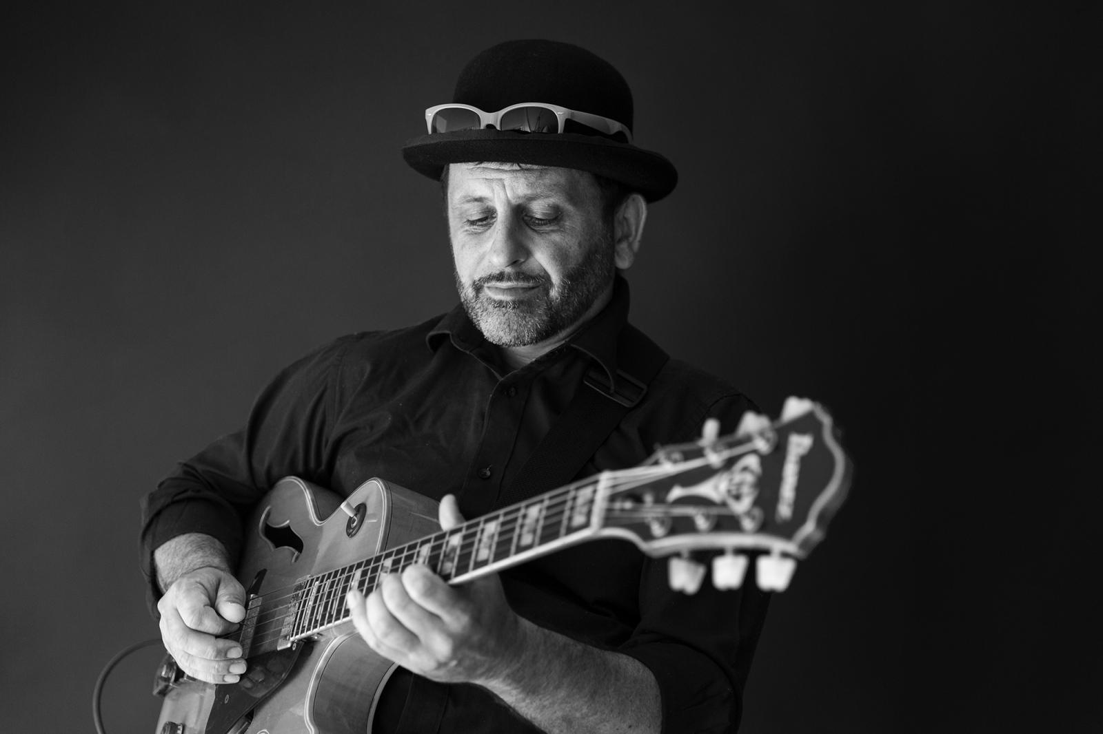 il bassista Sebastiano Sacchetti