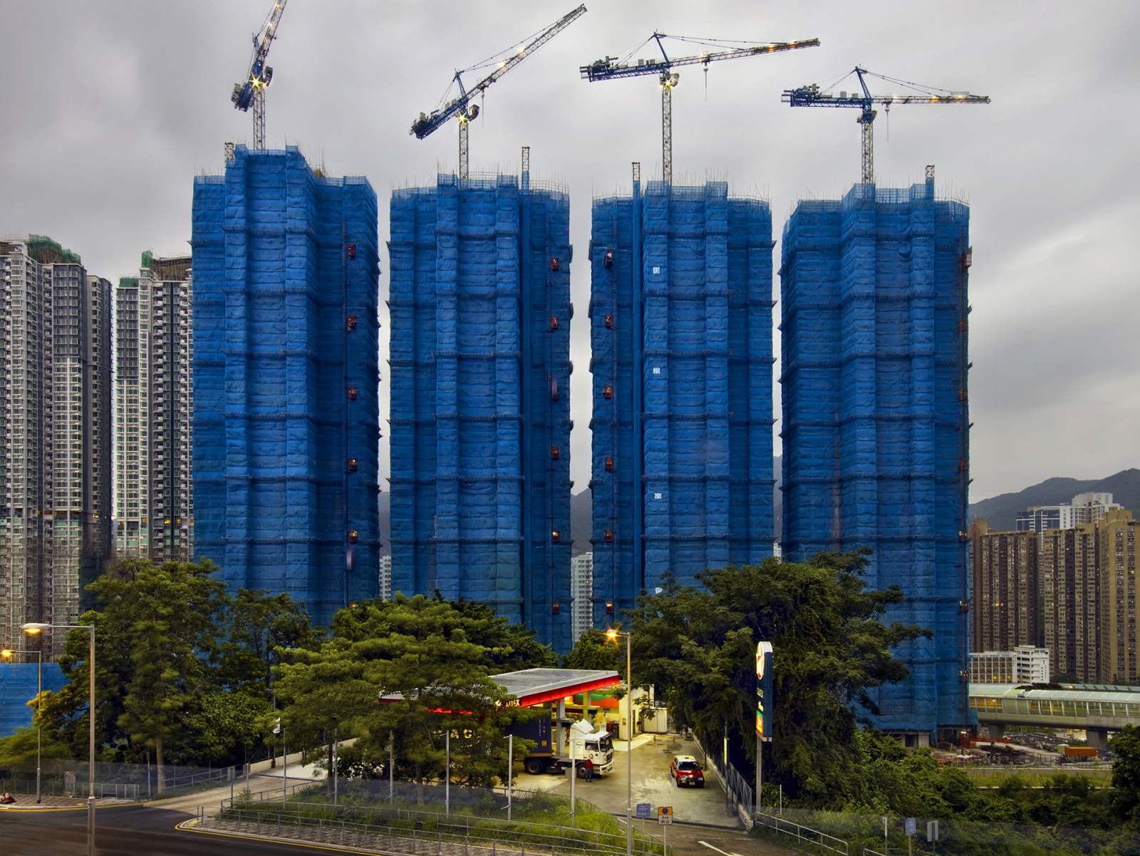 Photography image - Loading four_blue_cocoons_hong_kong_-_2009-1.jpg