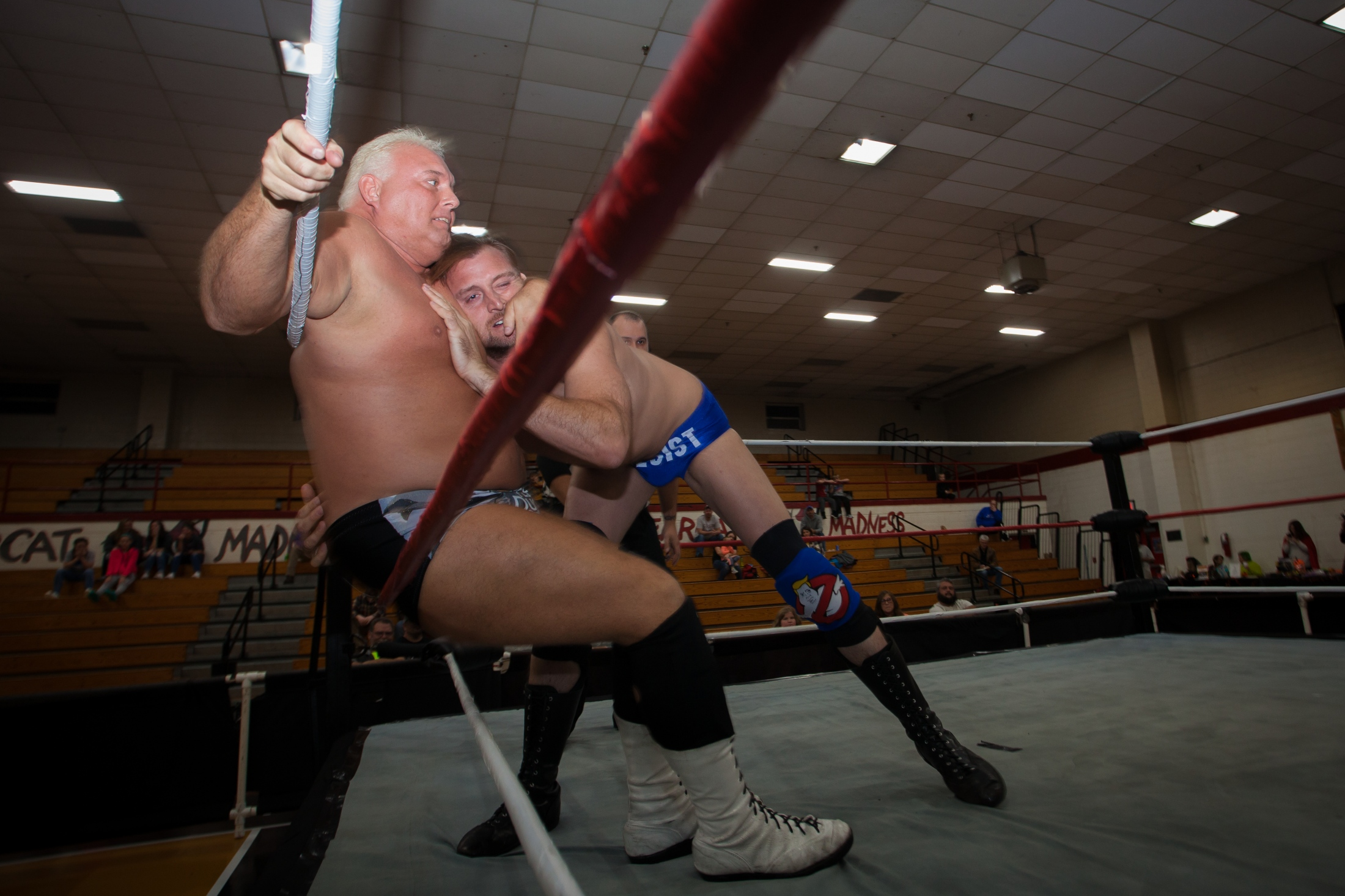 Art and Documentary Photography - Loading 3061897_la-ca-liberal-progressive-wrestler_15.JPG