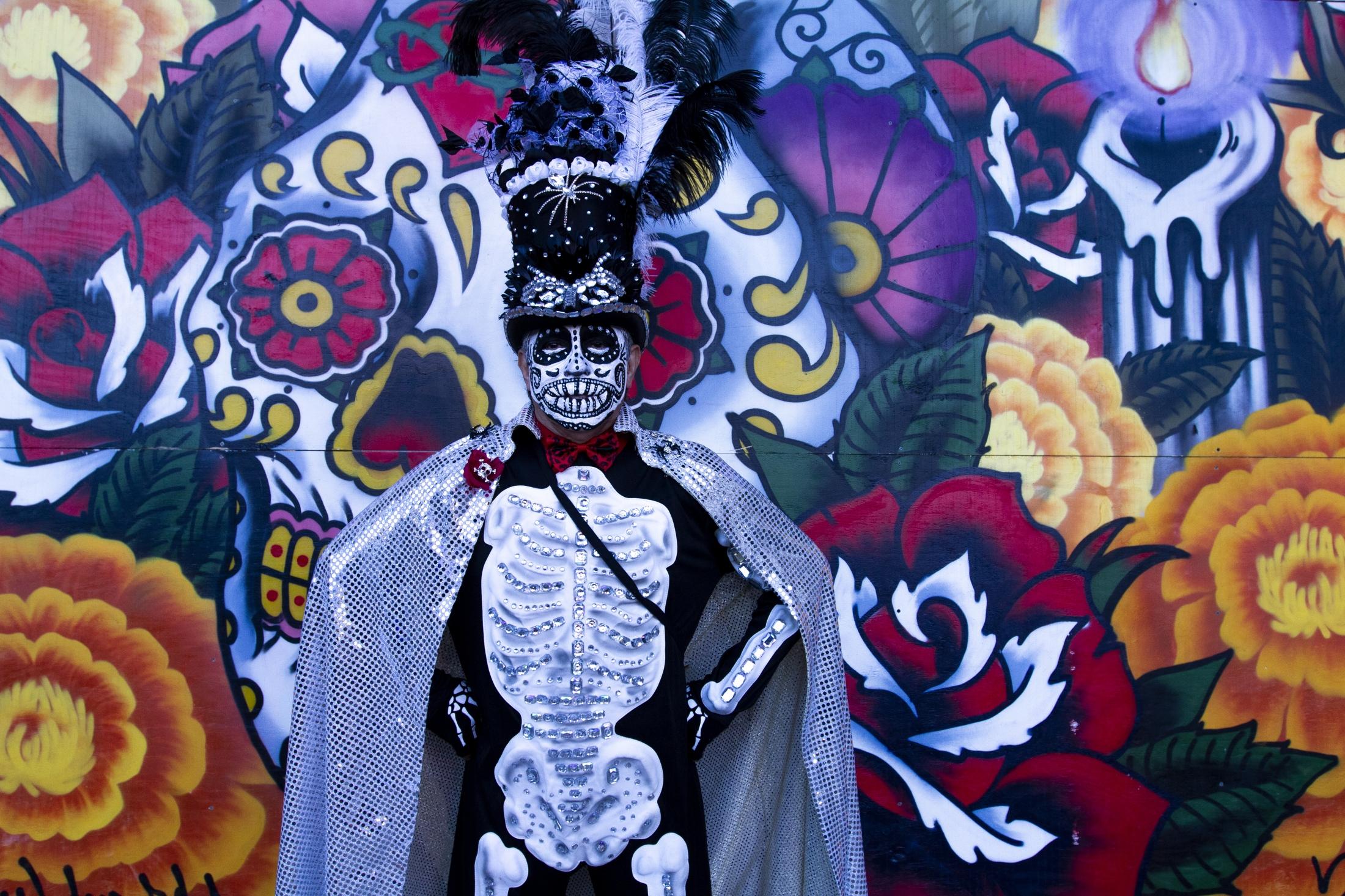 Art and Documentary Photography - Loading 110218_Dia_de_los_Muertos_SA_11.jpg