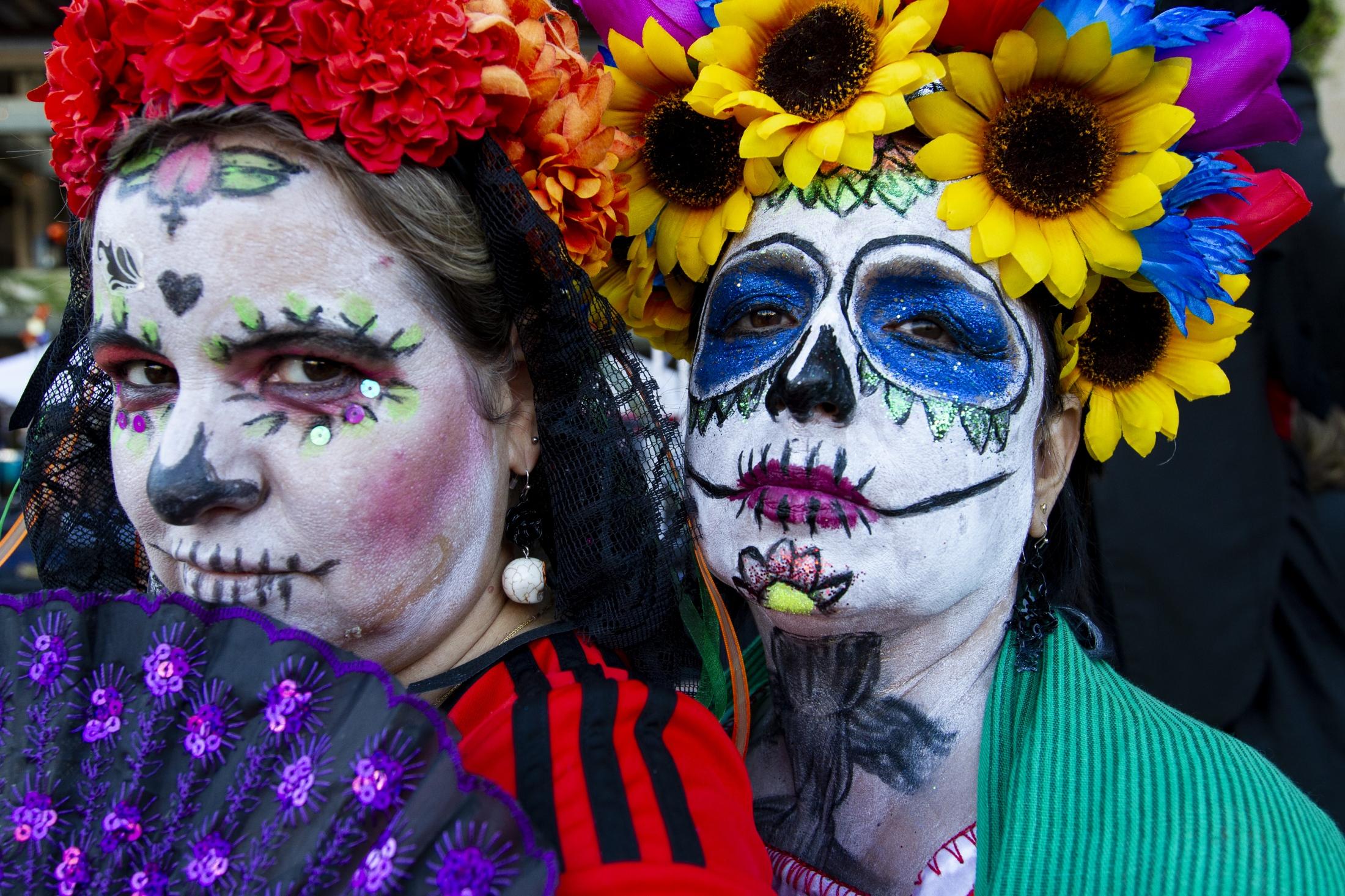 Art and Documentary Photography - Loading 110218_Dia_de_los_Muertos_SA_13.jpg