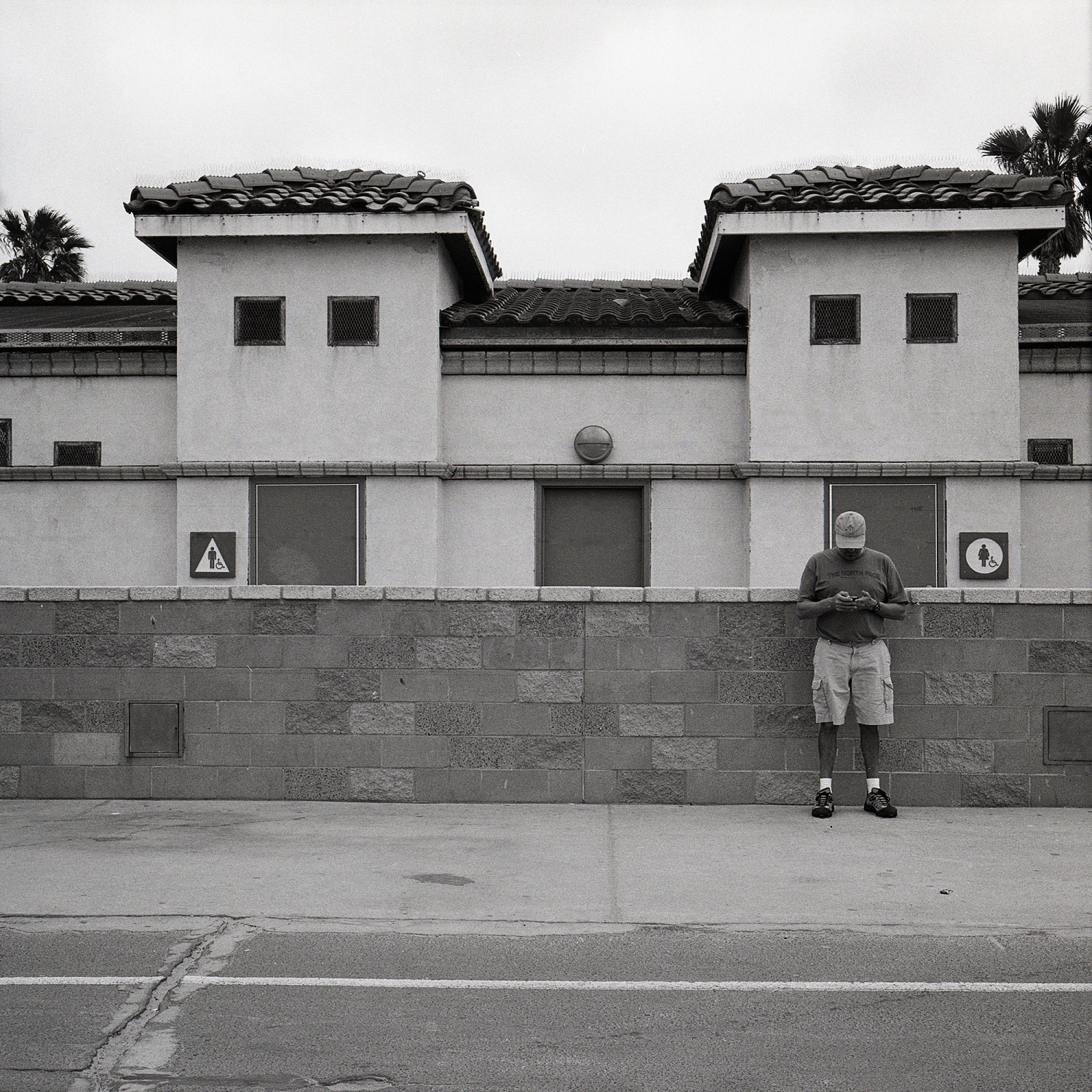 Art and Documentary Photography - Loading lardizabal_jon_mission_blvd.jpg