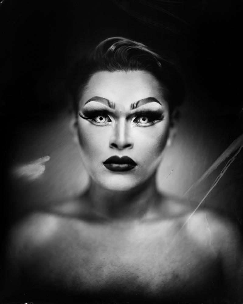Photography image - Loading dragbesties-headshot01.JPG