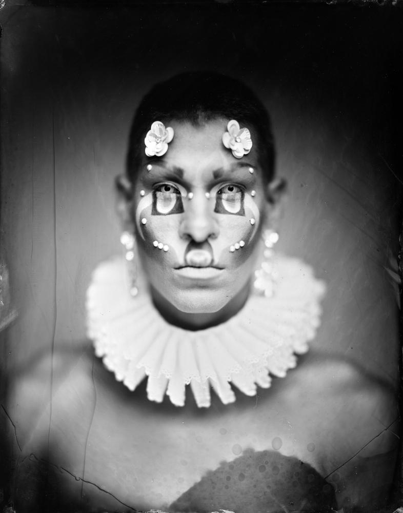 Photography image - Loading dragbesties-headshot02.JPG