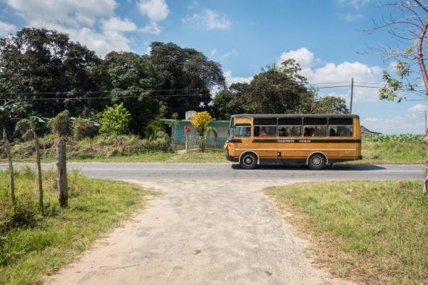 Schoolbus in Viñales