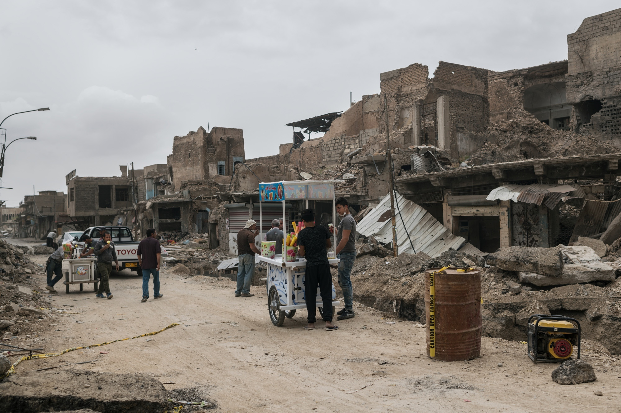 MOSUL 20180412 A few ice cream vendors have opened in Mosuls old town, which was subject to the heaviest fighting during the offensive against Daesh. Photo: Vilhelm Stokstad / Kontinent