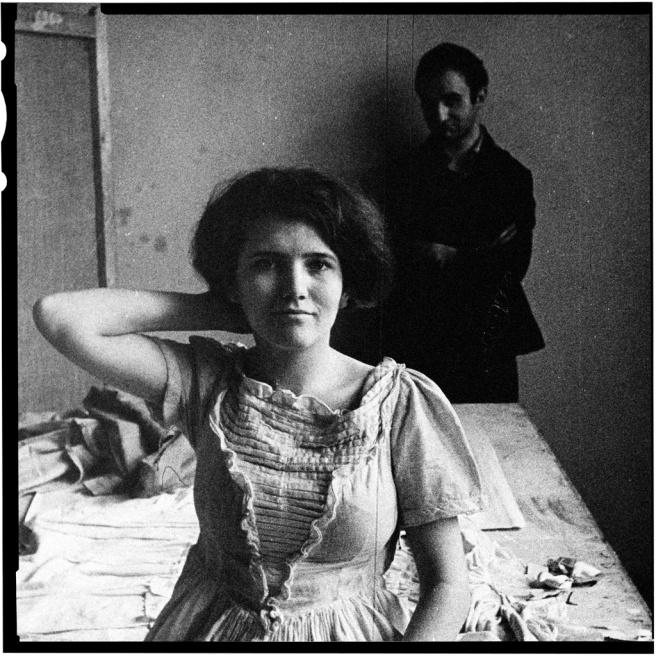 Art and Documentary Photography - Loading WOMAN ART MODEL.jpg