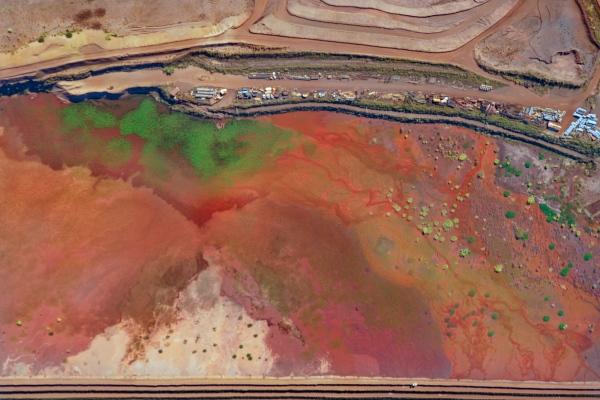 Ó Minas Gerais | My Land Our Landscape #36  Dry season.  Itabira, Minas Gerais.  Borders of a Tailing dam.