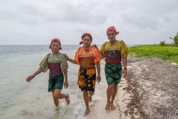 Omeggid. San Blas Indigenous Transgenders . Panama