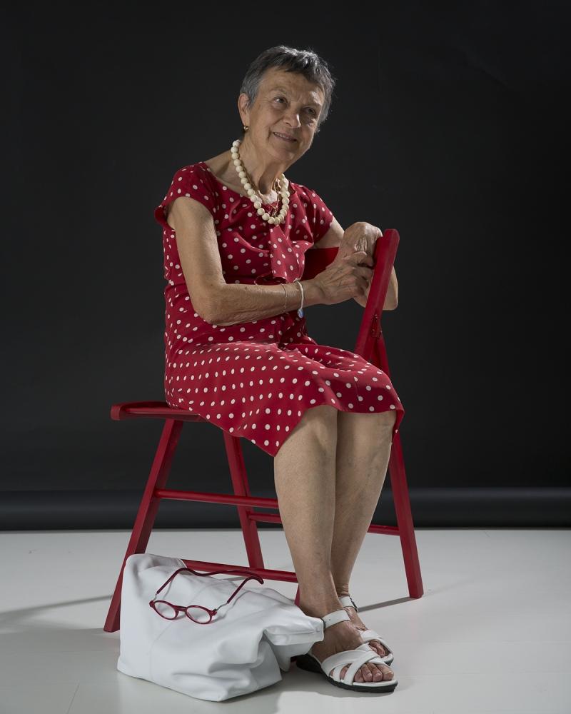 il chirurgo plastico, dottoressa Grazia Salimbeni (ma anche la mia mamma), nel mio studio a Lucca.