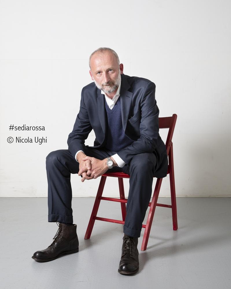 """il giornalista Mattia Feltri, ritratto a Peccioli, in occasione della rassegna """"potrebbe andare Peccioli""""."""