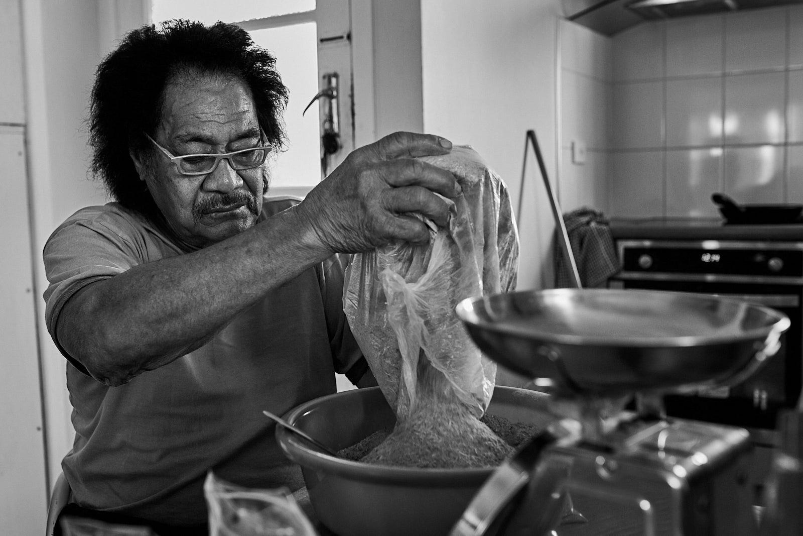 Art and Documentary Photography - Loading Kava00007.jpg