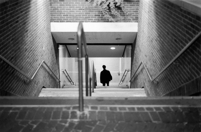Art and Documentary Photography - Loading Descent_to_Subway_large.jpg