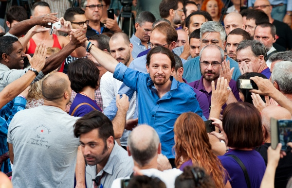 Pablo Iglesias is acclaimed at his arrival at the meeting with Joan Herrera, candidates for Catalunya Si que es pot.   CSQP is a Catalan left-wing electoral coalition created for the elections to the Parliament of Catalonia in 2015. Mollet del Vallès, Spain  . Photo Gemma Miralda 15/09/2015