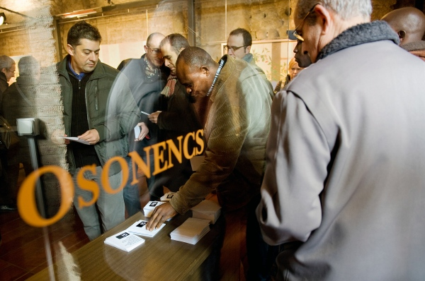 Voters from the city of Vic have come to the Roman Temple to deposit their vote during the local consultation on the Independence of Catalonia. Vic, Spain. Photo Gemma Miralda. 13/12/2009