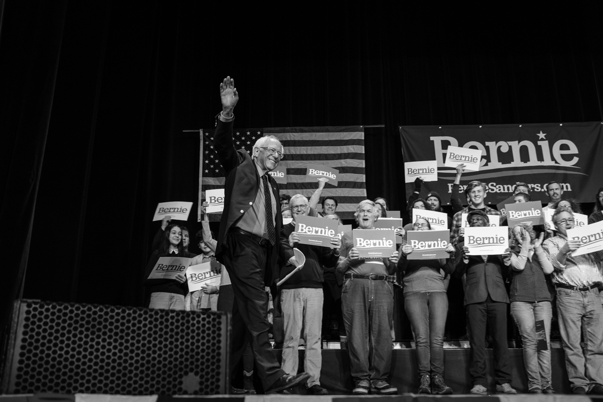 Art and Documentary Photography - Loading 031019-sanders_rally02-zps.jpg