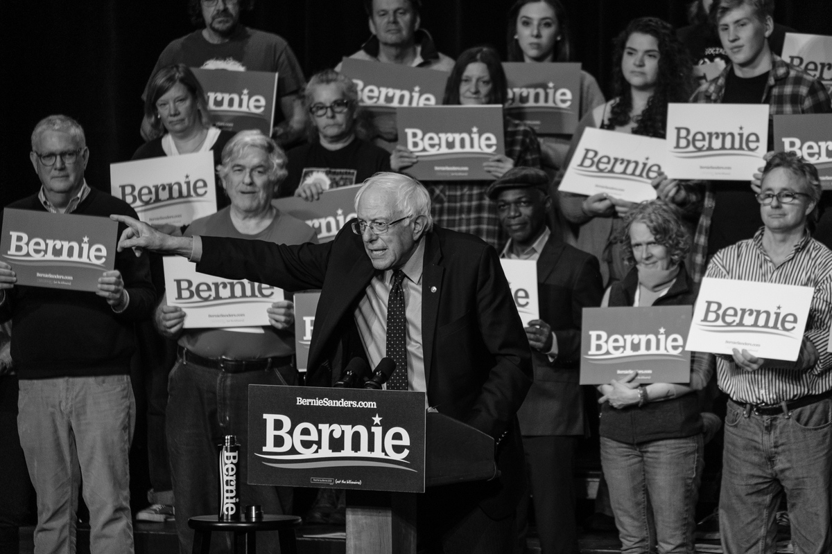 Art and Documentary Photography - Loading 031019-sanders_rally05-zps.jpg