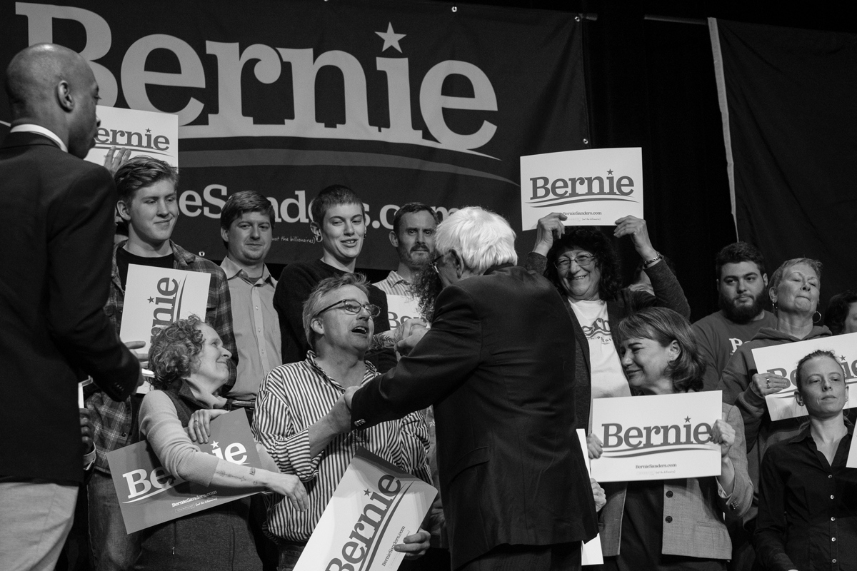 Art and Documentary Photography - Loading 031019-sanders_rally07-zps.jpg