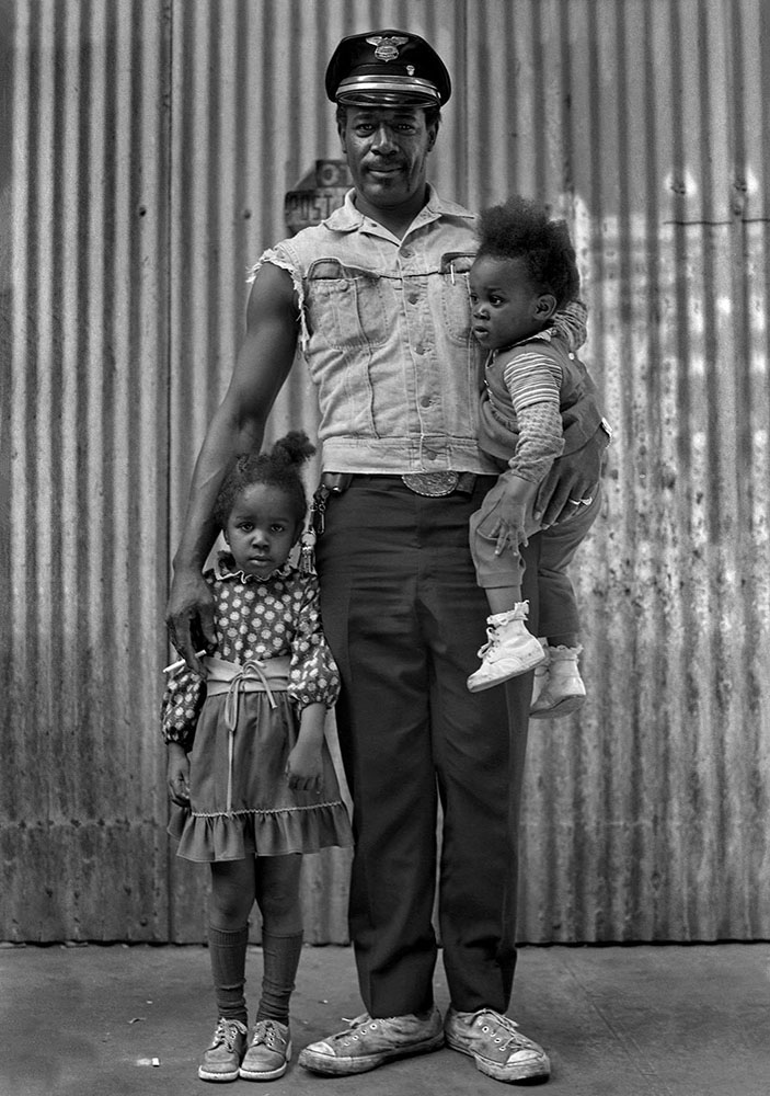 Photography image - Loading ___Steven_Edson_Proud_Father_and_Children_C.jpg