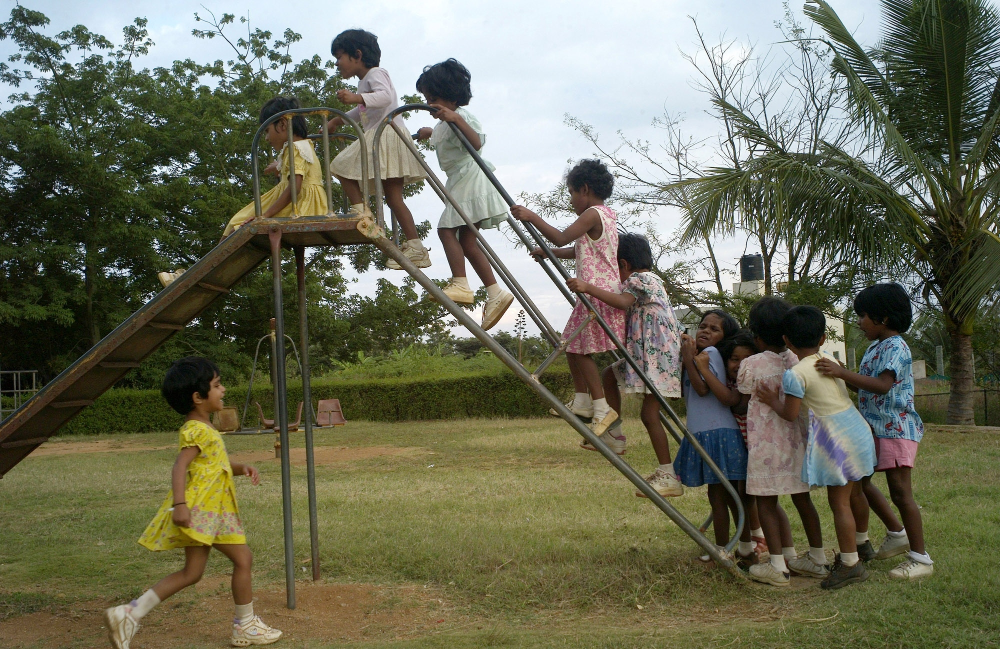 Children play after lessons at Shanti Bhavan.