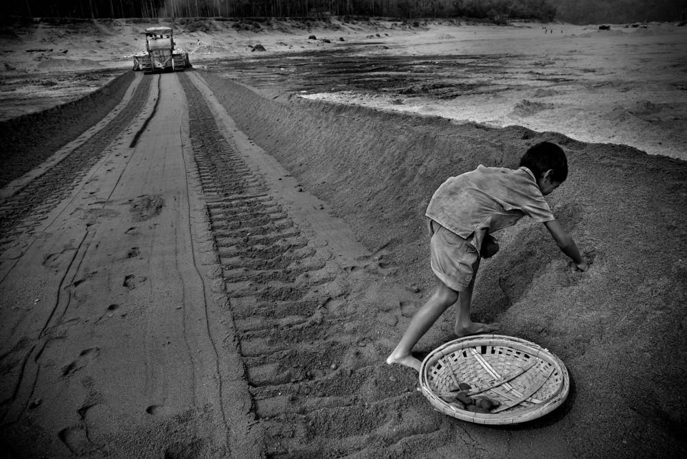 Art and Documentary Photography - Loading khaled_hasan_52.jpg
