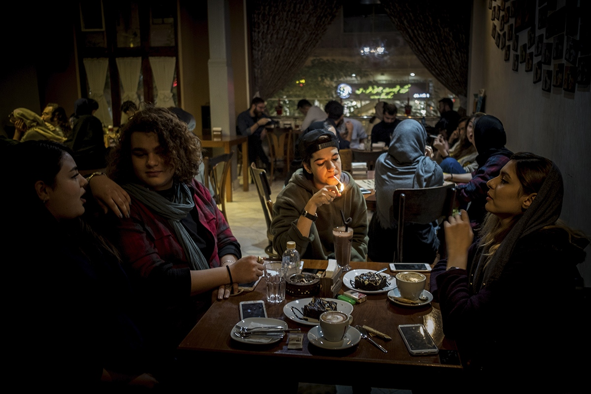 In the Islamic Republic of Tehran, alcohol is strictly forbidden. Nightlife does not exist, so parties are  organised in private houses. At the weekends or when their classes are finished, youngsters meet at some  of the gorgeous cafés in the city where they just hang out.