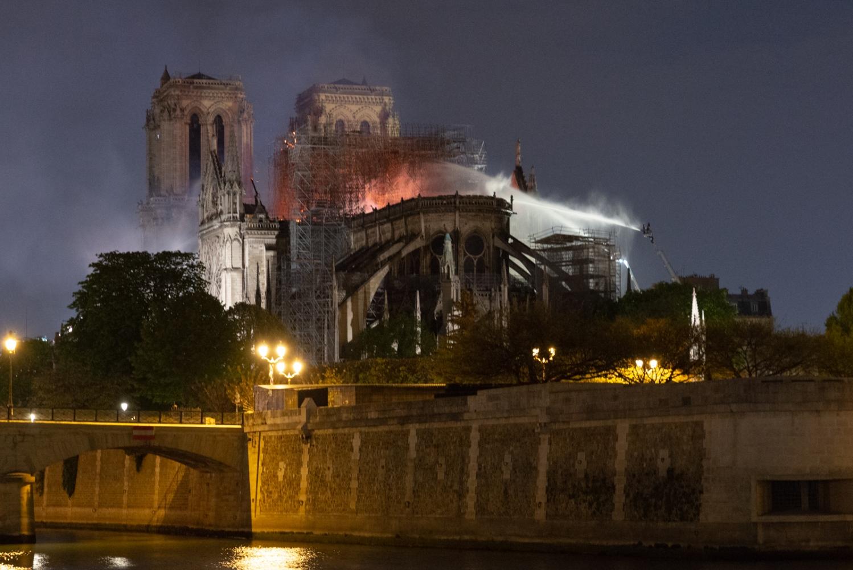 Incendie de Notre Dame de Paris - Avril 2019 - Les pompiers en action.