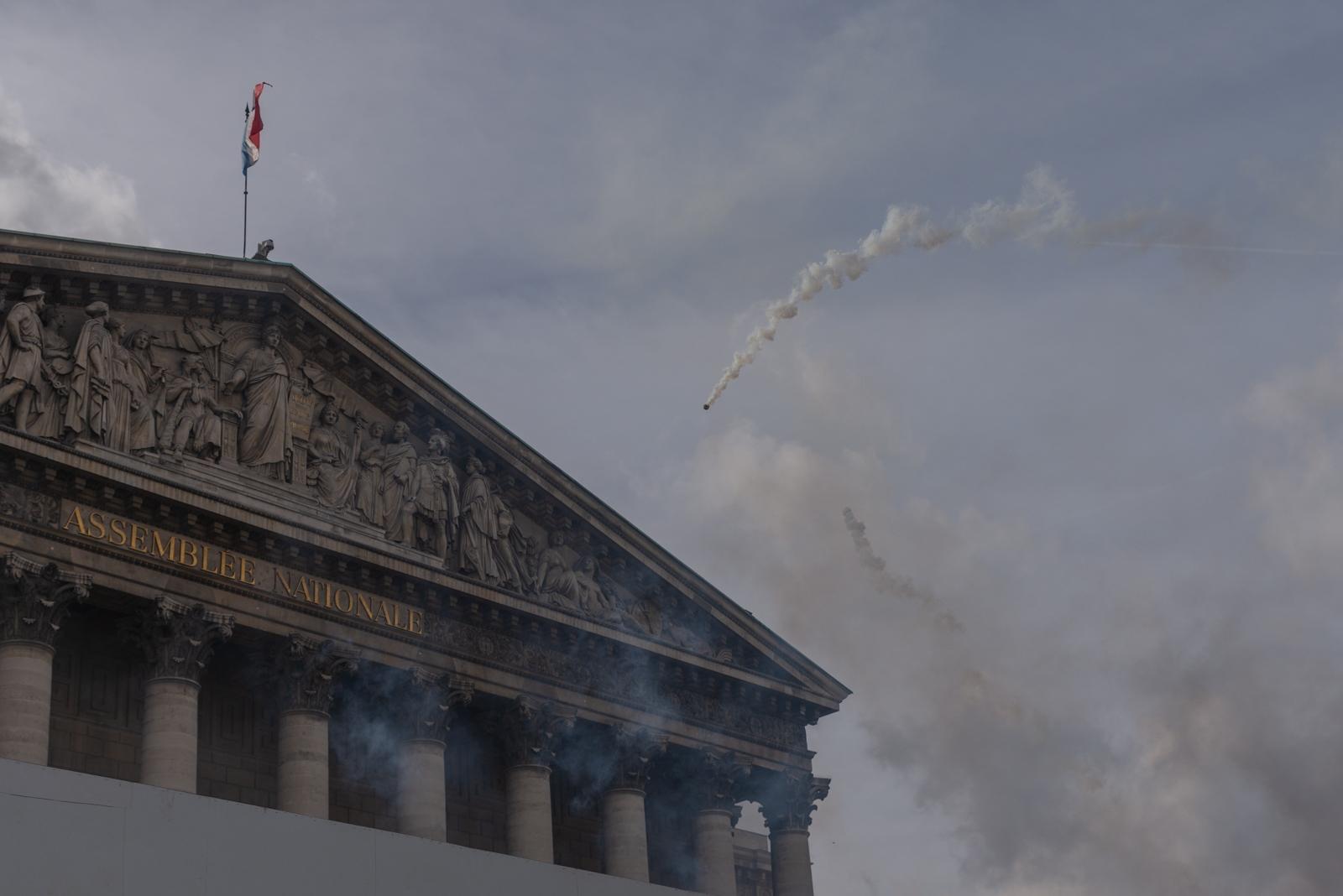 Les bâtiments symboles du pouvoir sur le parcours des manifestations ont parfois été le lieu d'affrontements entre la police et des manifestants. Paris - Acte XIII - Assemblée Nationale le 9 février 2019