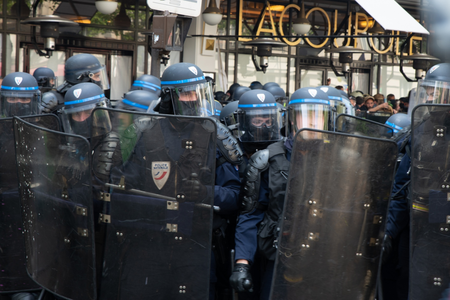 1er mai 2019 - Paris -  Manifestation La police nationale devant le restaurant La Coupole