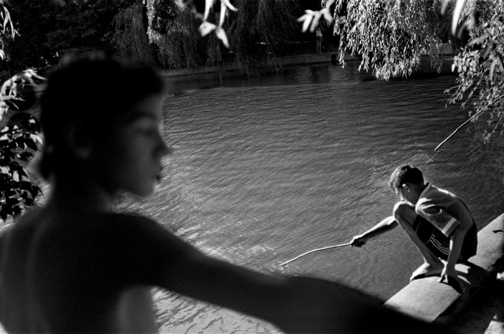 Art and Documentary Photography - Loading 013 Prolaz _Romania,Bucarest 2006.jpg