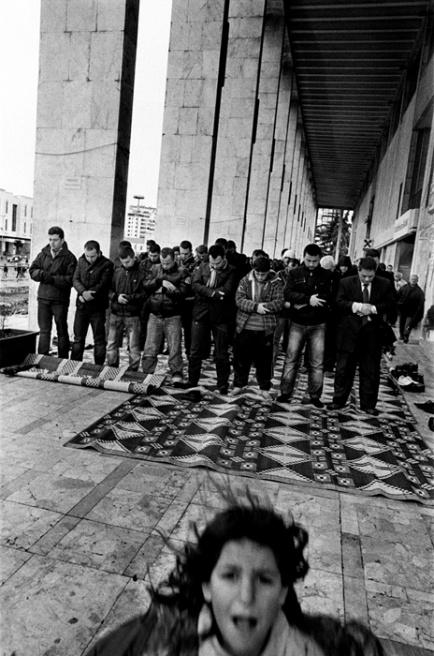 Art and Documentary Photography - Loading 033 Prolaz_Albania,Tirana 2011.jpg