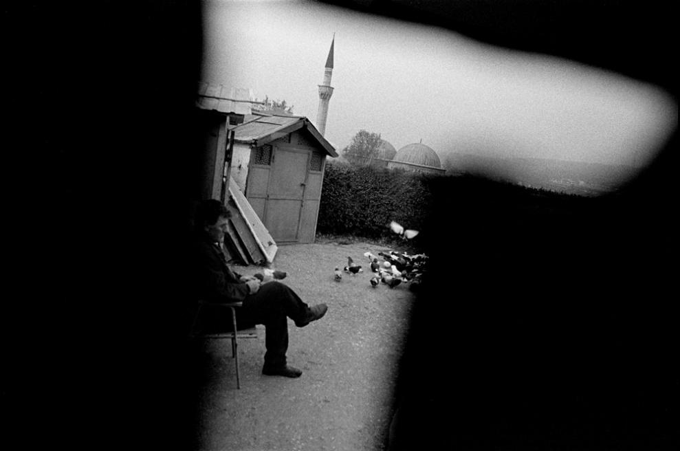 Art and Documentary Photography - Loading 054 Prolaz_Macedonia,Skopje 2004.jpg