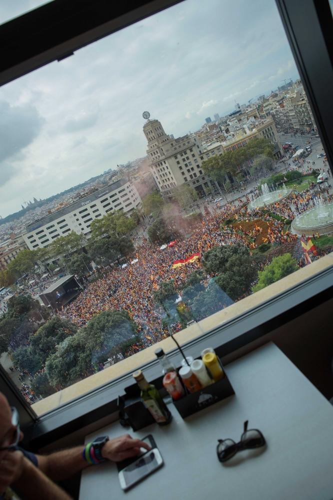 Pro-Spanish protesters gather on Plaça Catalunya on the Spanish national holiday. Barcelona, October 12, 2018.