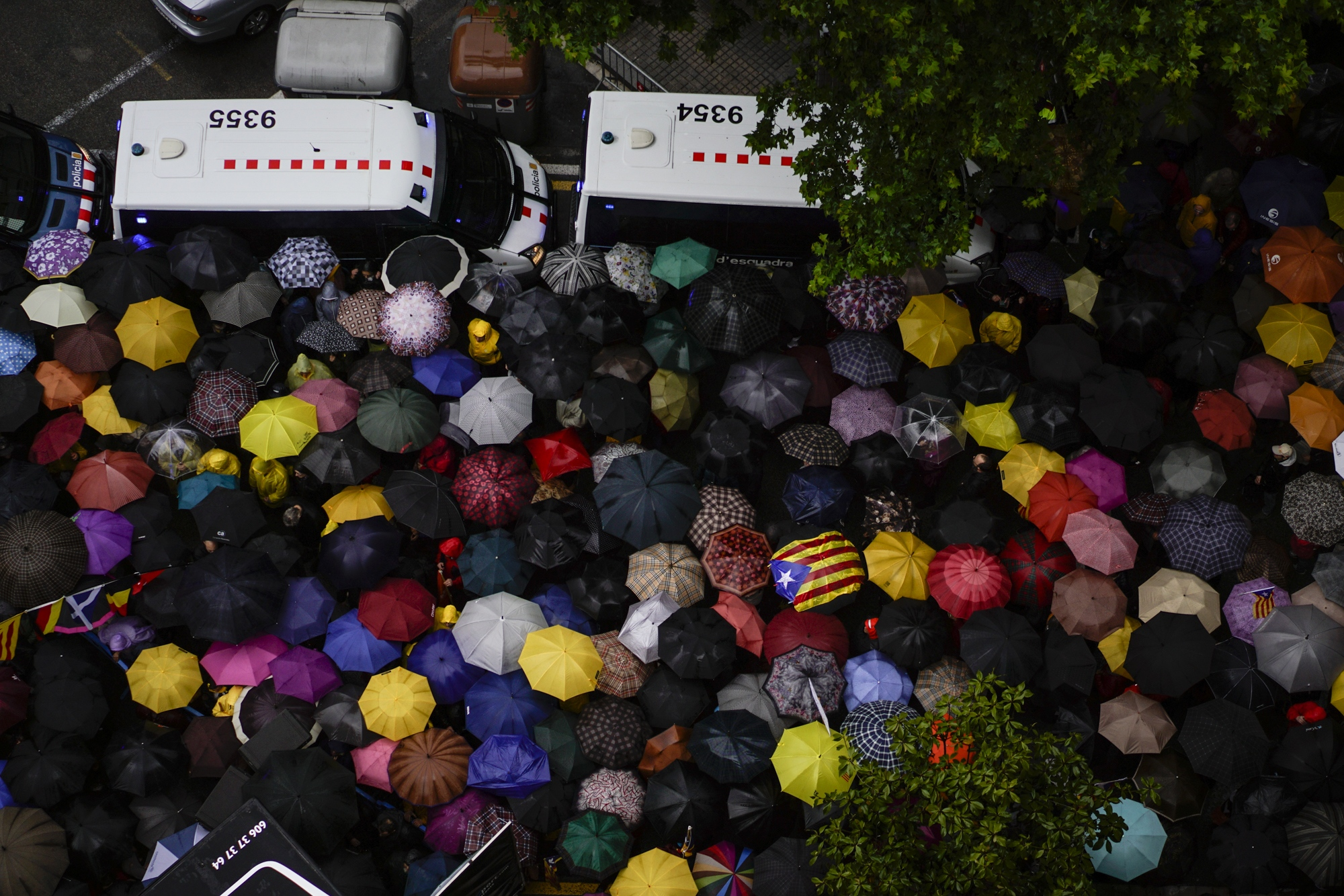 Pro Catalan independence supporters gather in Barcelona to protest the Spanish electoral board's decision to veto exiled Catalan president Puigdemont's candidacy for the upcoming European elections. May 3, 2019.