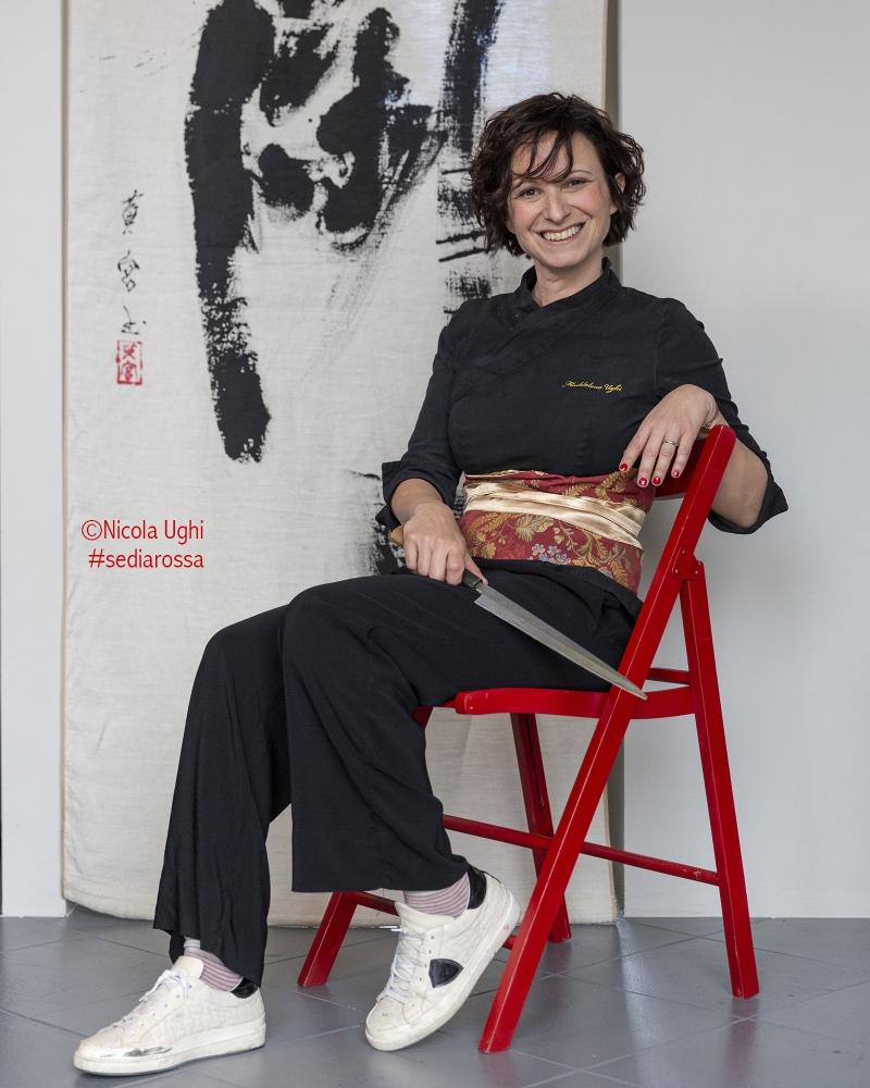 """La Chef di Sushi all'italiana Maddalena Ughi, in arte """"Mad Sushi"""". Ha reinventato il sushi arricchendolo con la materia prima di grande qualità: il riso , ma sopratutto il pesce, sempre fresco e pescato nelle acqua davanti alla sua Livorno."""