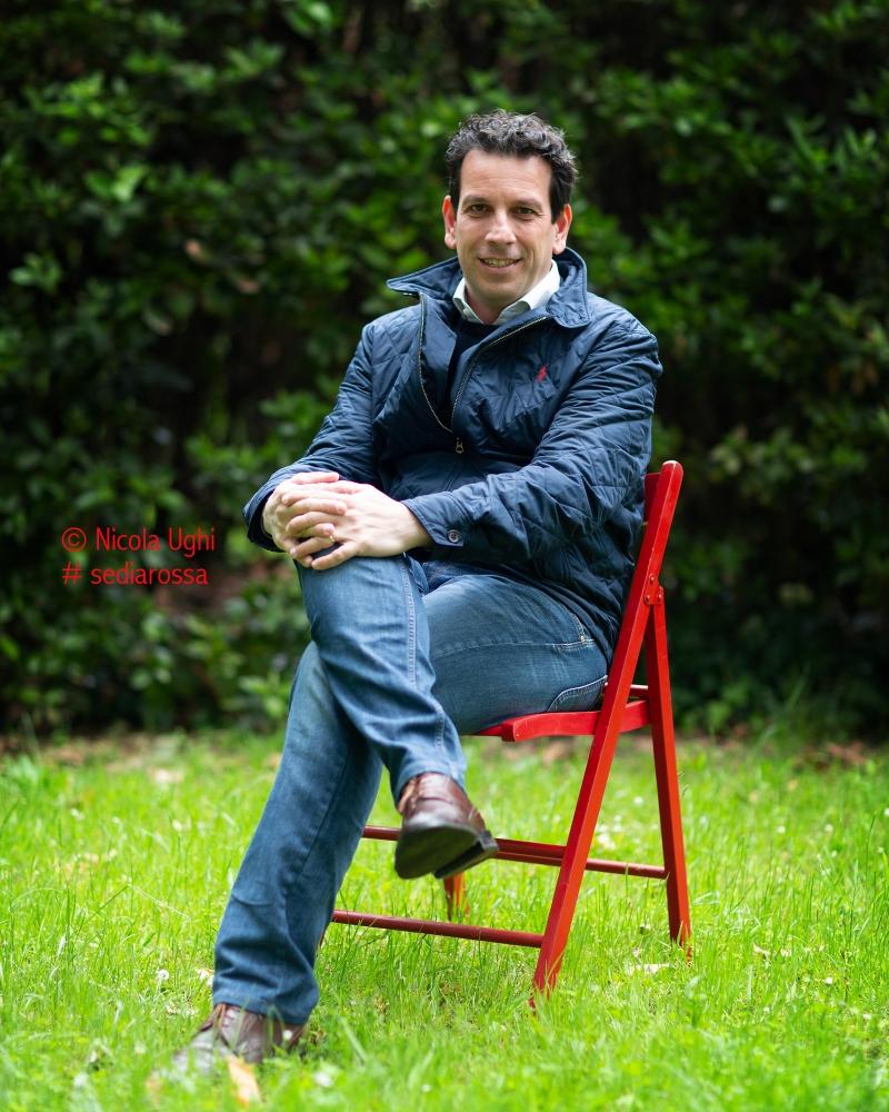 L'assessore ai lavori pubblici e al verde pubblico del Comune di Pisa, Raffaele Latrofa, fotografato presso il Viale delle Piagge, a Pisa.