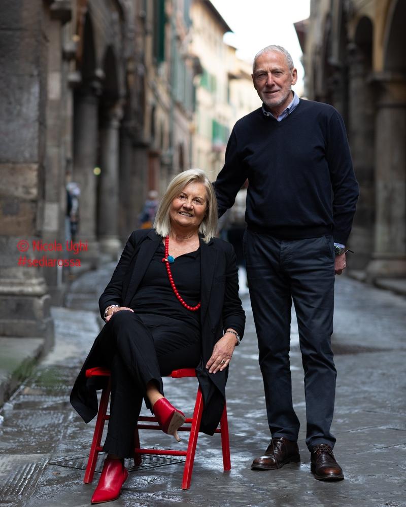 """Anna e Massimo Dei, da 40 anni titolari a Pisa dei negozi di abbigliamento """"Il Cavallo""""; da sempre simbolo di stile ed eleganza."""