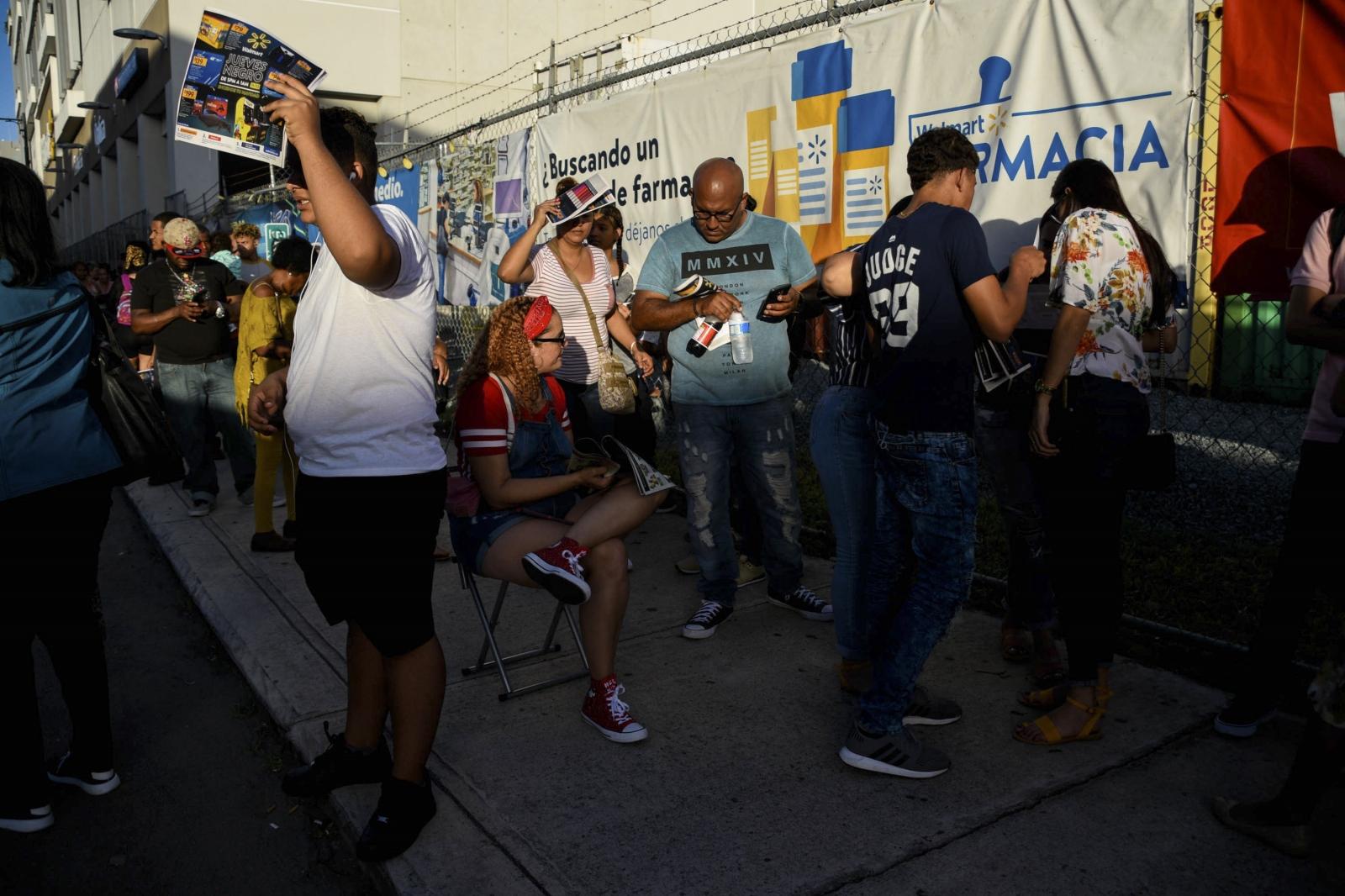 Black Friday sale at Walmart, Santurce, Puerto Rico. Shot for El Nuevo Día.