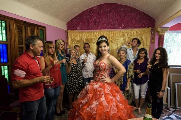 Quinceañeras - Cuban Girls Fifteen BDay Celebration