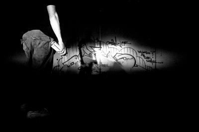 the night grafitiando