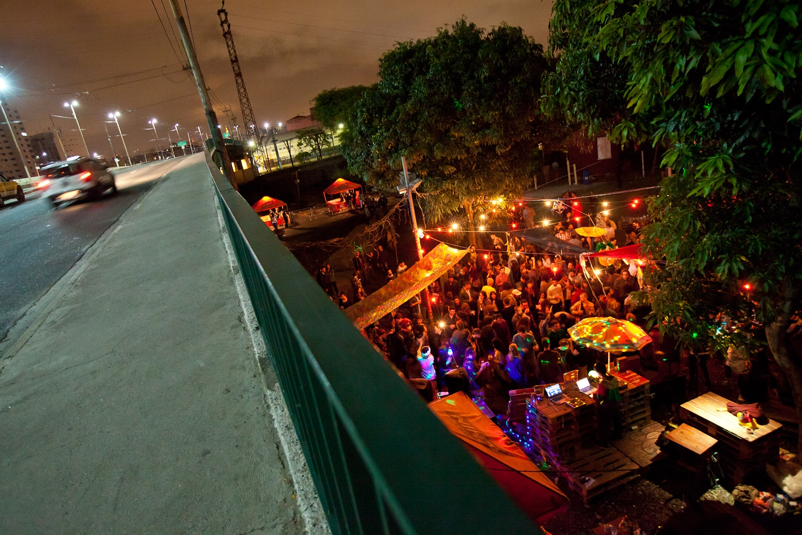 Festa em trilhos na Mooca / Party in rails in Mooca