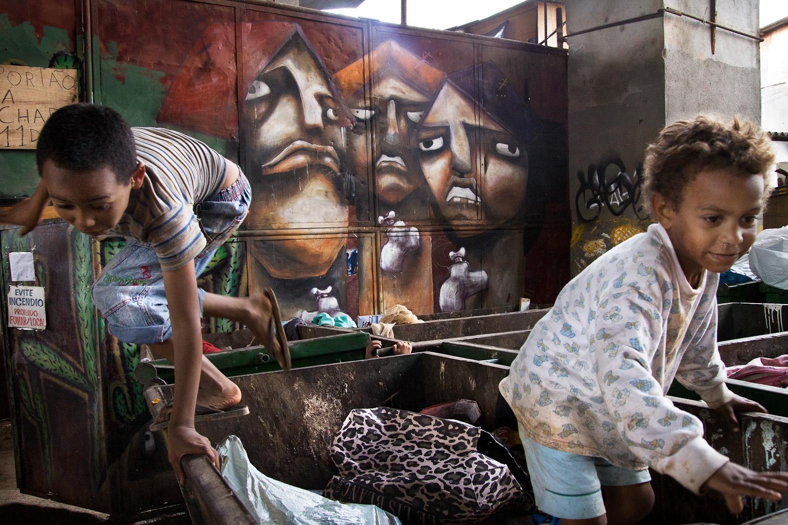 Crianças na favela do Moinho / Kids in Moinho favela