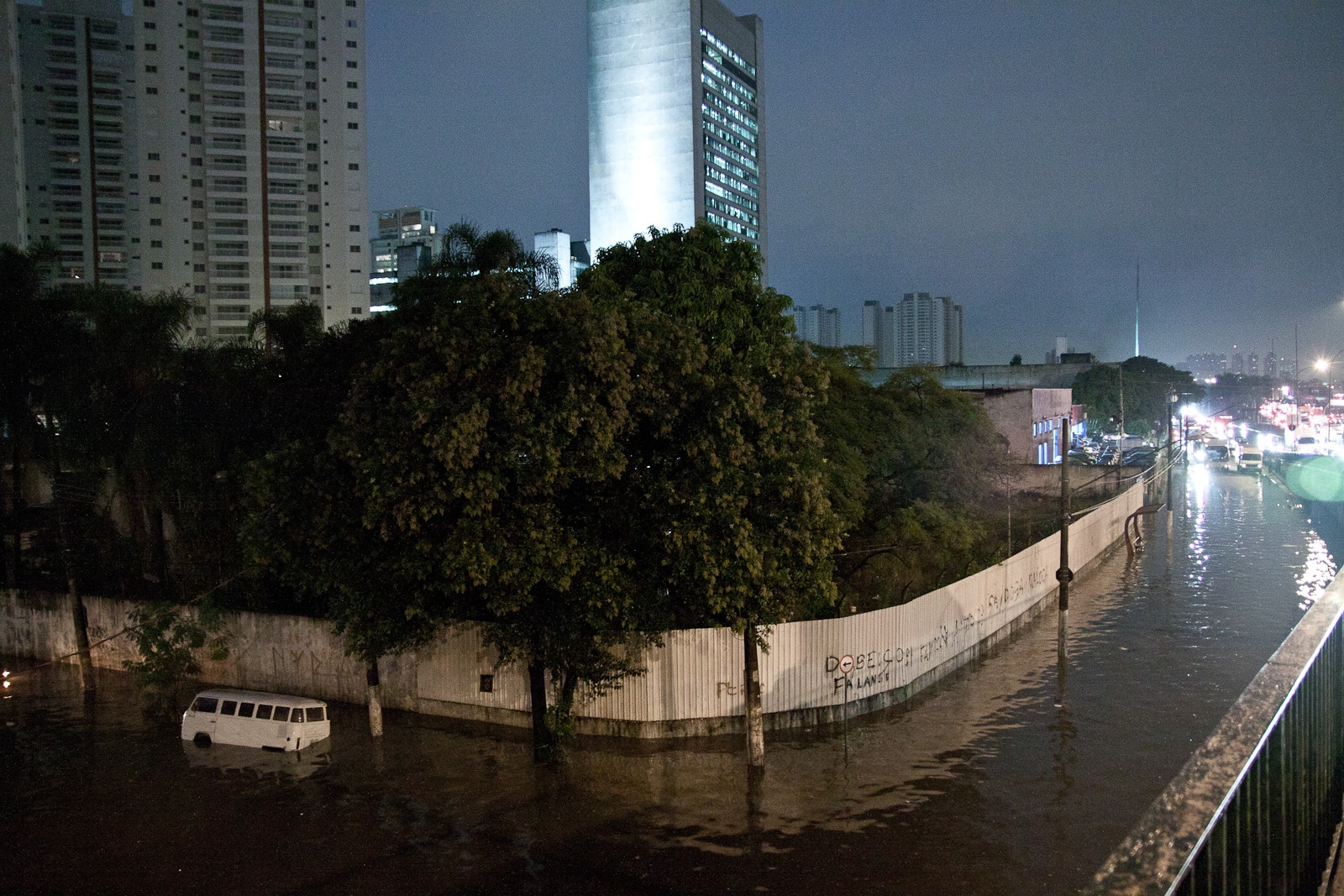 Enchente na Vila Leopoldina / Flood in Vila Leopoldina