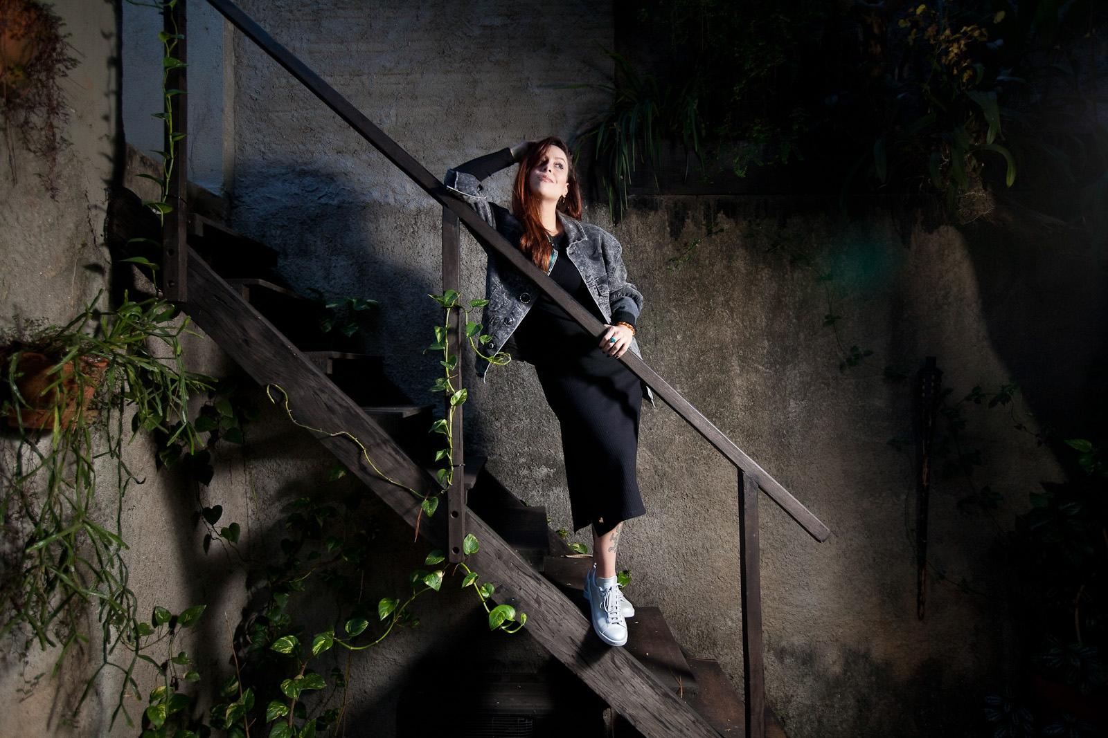 Pitti, cantora para coluna Mônica Bergamo, Folha de São Paulo / Pitti, singer for Monica Bergamo column, Folha de Sao Paulo