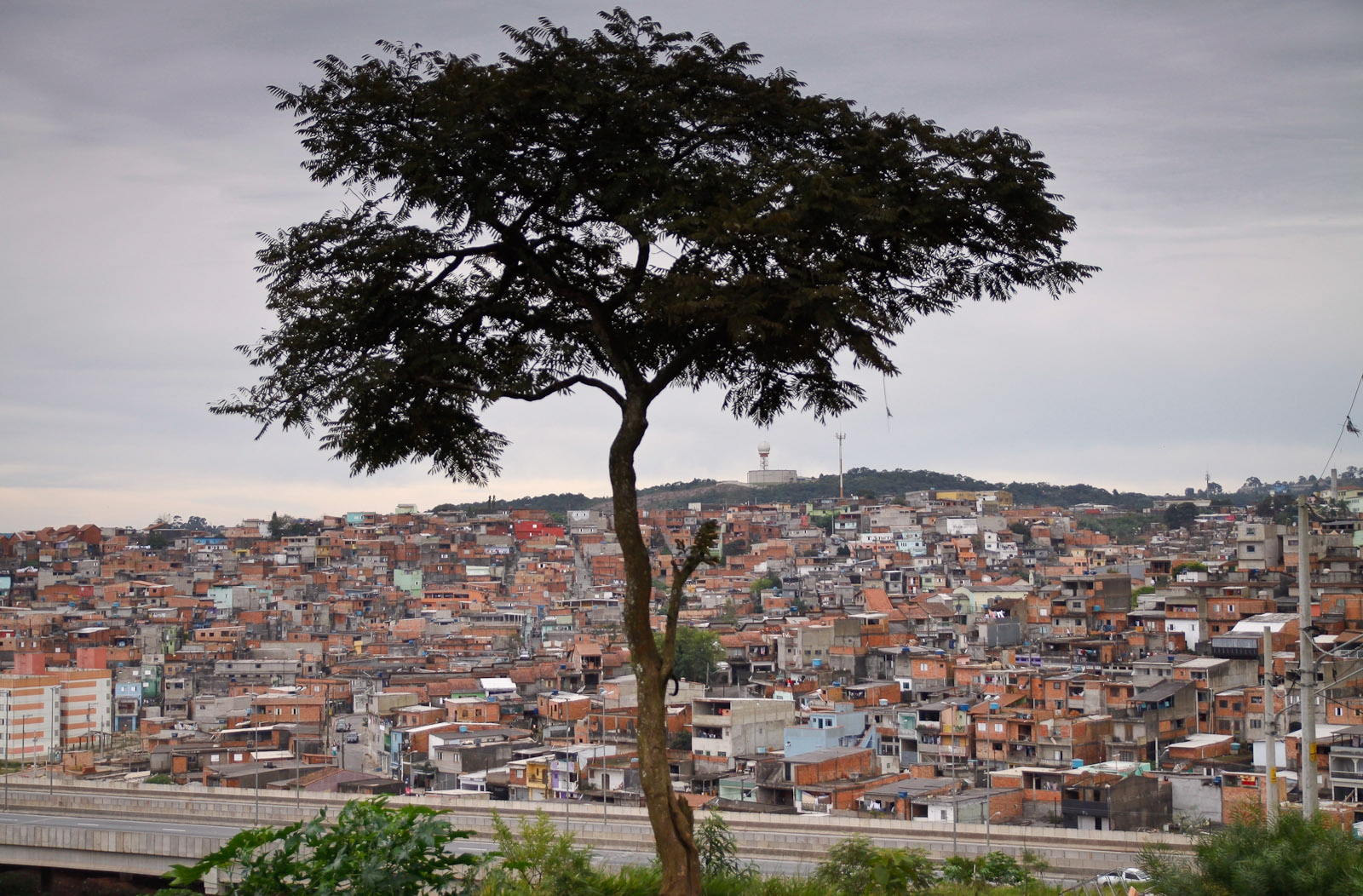 Periferia da cidade / Outskirts of the city