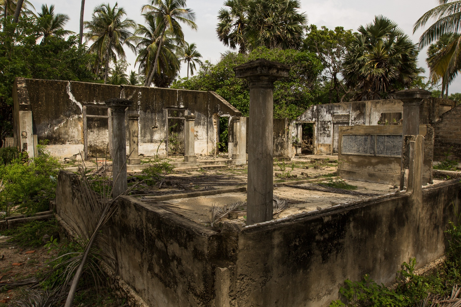 A forgotten home of Jaffna, during the 1980s Jaffna became the frontline of the 30-year civil war. Many of the houses have not been touched in the decades since. (November, 2015)